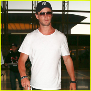 Chris Hemsworth Thinks New Sexiest Man Alive David Beckham is 'So Dreamy'