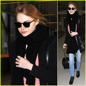 Emma Stone Lands in Los Angeles Ahead of Thanksgiving Day