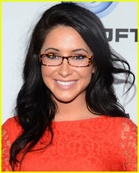 Bristol Palin Continues to Show Off Growing Baby Bump