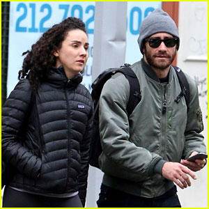Jake Gyllenhaal Hangs Out with Longtime Pal Greta Caruso