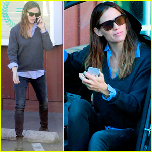 Jennifer Garner Grabs Morning Coffee With Samuel