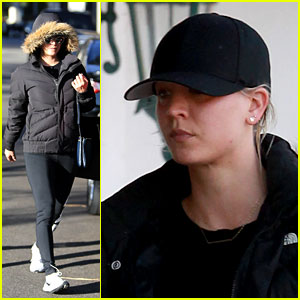 Kaley Cuoco Runs Holiday Errands in Activewear