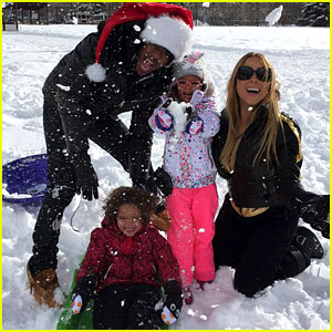 Mariah Carey Is Spending Christmas with the Kids, Nick Cannon, & James Packer!