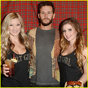 Ryan Kwanten Hosts a Scary Movie Screening!