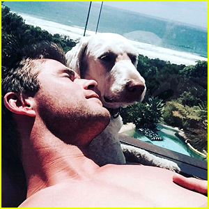 Chris Hemsworth Went Shirtless in His New Year's Instagram