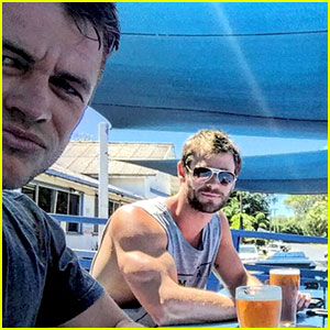 Chris Hemsworth's Bicep Looks Huge in This New Photo!
