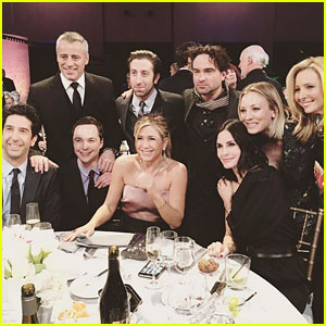'Friends' Cast Reunites & Meets the 'Big Bang' Cast (Photo)