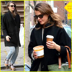 Keri Russell Steps Out After Pregnancy News Revealed