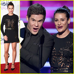 Lea Michele & Adam Devine Joke About Dwayne Johnson's Perfect Eyebrows at People's Choice Awards