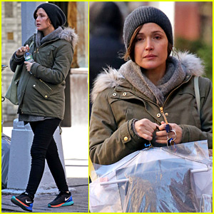 Pregnant Rose Byrne Braves the Chill to Run Errands
