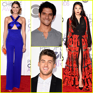 Tyler Posey & 'Teen Wolf' Cast Attend People's Choice Awards!