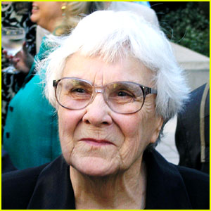 Celebrities React to Harper Lee's Death - Read the Tweets