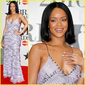 Rihanna Walks the Red Carpet at BRIT Awards 2016!