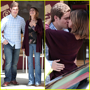 Adam Devine & Sarah Hyland Kiss On 'Modern Family' Set