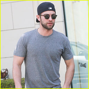 Chace Crawford Gets a Parking Ticket During His Lunch Stop