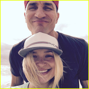 Hayden Panettiere Shares Cute Family Photos on the Beach!
