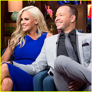 Jenny McCarthy & Donnie Wahlberg Reveal Sex Life Secrets During 'Never Have I Ever' (Video)