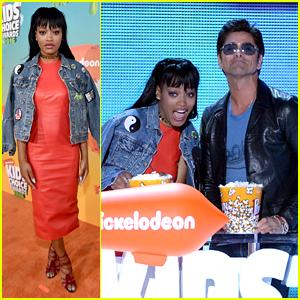 Keke Palmer & John Stamos Throw Popcorn Confetti at Kids Choice Awards 2016