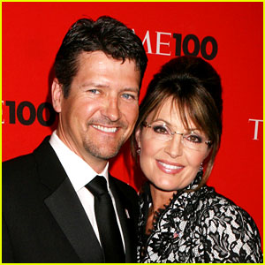 Todd Palin Seriously Injured in Snowmobile Accident