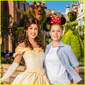 Amy Adams Hangs Out With Belle at Disney World