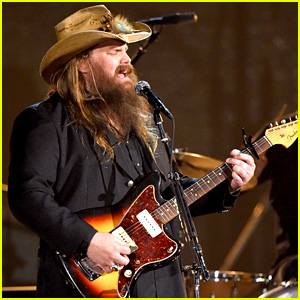 Chris Stapleton's ACM Awards 2016 Performance Video - Watch Now!