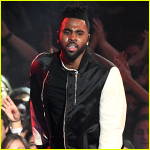 Jason Derulo Performs New Song at iHeartRadio Awards! (Video)
