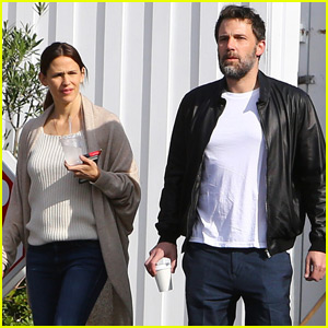 Jennifer Garner & Ben Affleck Grab a Friendly Breakfast