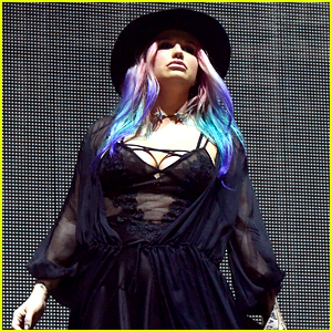 Kesha Performs 'True Colors' with Zedd at Coachella 2016 (Video)