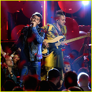 DNCE Parties It Up During Performance at Billboard Music Awards 2016