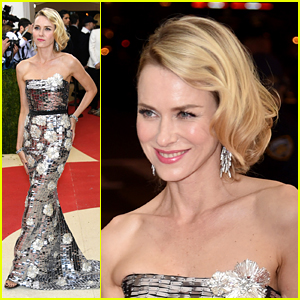 Naomi Watts Plugs Her Dress in Before Met Gala 2016