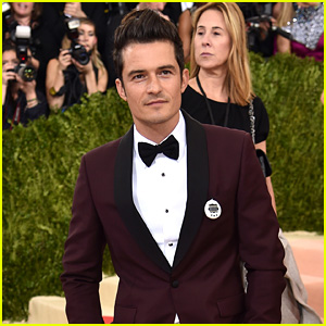 Orlando Bloom Wears a Tamagotchi at Met Gala 2016, Just Like Girlfriend Katy Perry!