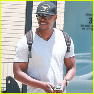 Dave Chappelle Shows Off His Buff Arms in Beverly Hills