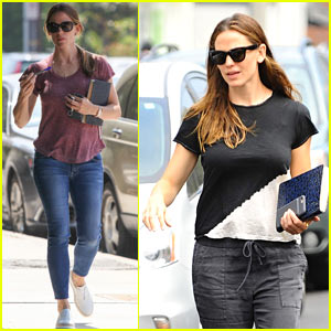 Jennifer Garner Chats with Friends After Church