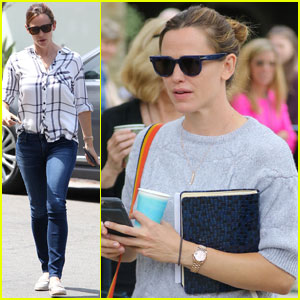 Jennifer Garner Wraps Up Her Week at Church With Family