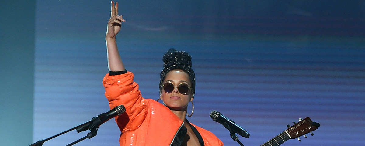 Alicia Keys' BET Awards 2016 Performance Video – Watch Now