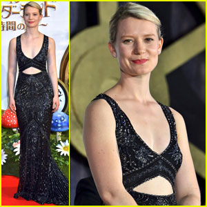 Mia Wasikowska Premieres 'Through the Looking Glass' in Tokyo