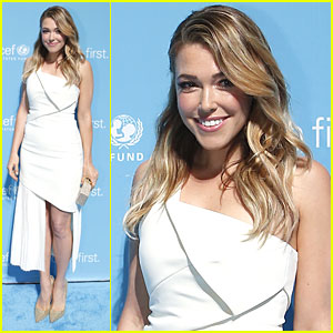 Rachel Platten Performs at UNICEF's Children's Champion Dinner Event
