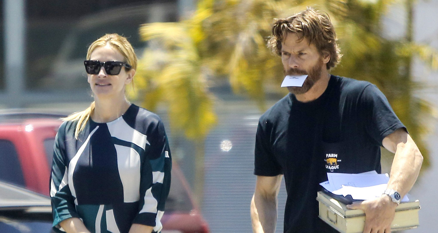 julia roberts amp husband danny moder spotted in rare outing