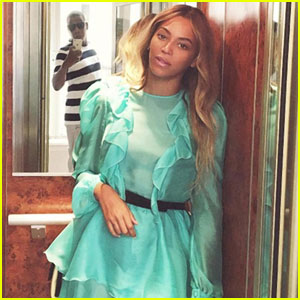 The Internet is Calling Jay Z an 'Instagram Husband' Because of This Beyonce Elevator Photo