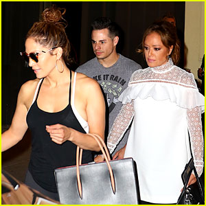 Jennifer Lopez Dresses Down for Dinner with BFF Leah Remini