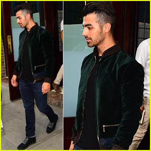 Joe Jonas Challenges Brother Nick to a Boxing Match on 'Live with Kelly' - Watch!