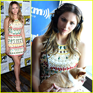 Katharine McPhee Goes to Comic-Con & Brings Dog Wilma!