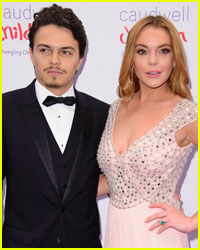 Lindsay Lohan is Still Wearing Her Engagement Ring