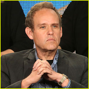 Veep's Peter MacNicol Ruled Ineligible for Emmy Nomination