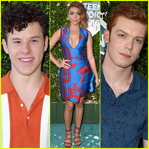 Sarah Hyland, Nolan Gould, & Cameron Monaghan Take on Teen Choice Awards 2016