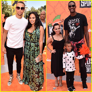 stephen curry celebrates warriors win with wife amp daughter