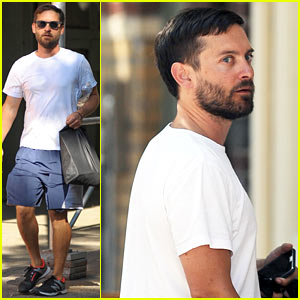 Tobey Maguire arrives at Joel Silver's annual Memorial Day beach party ...