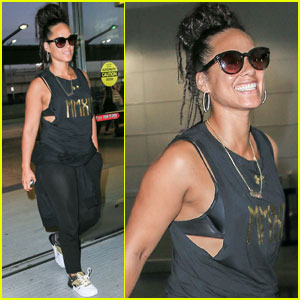 Alicia Keys Steps Out After No Makeup Criticism
