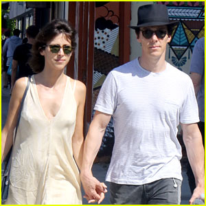 Benedict Cumberbatch & His Wife Sophie Hunter Go Shopping in Venice Beach