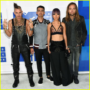DNCE is Best New Artist Nominee at MTV VMAs 2016